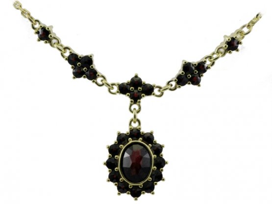 BG garnet necklace 234