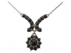 BG garnet necklace 267