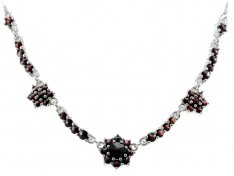 BG garnet necklace 184