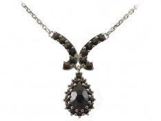 BG garnet necklace 266