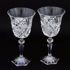 Set of two crystal hand cut wine glasses Šafránek 404