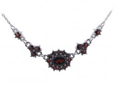 BG garnet necklace 059