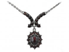 BG garnet necklace 264